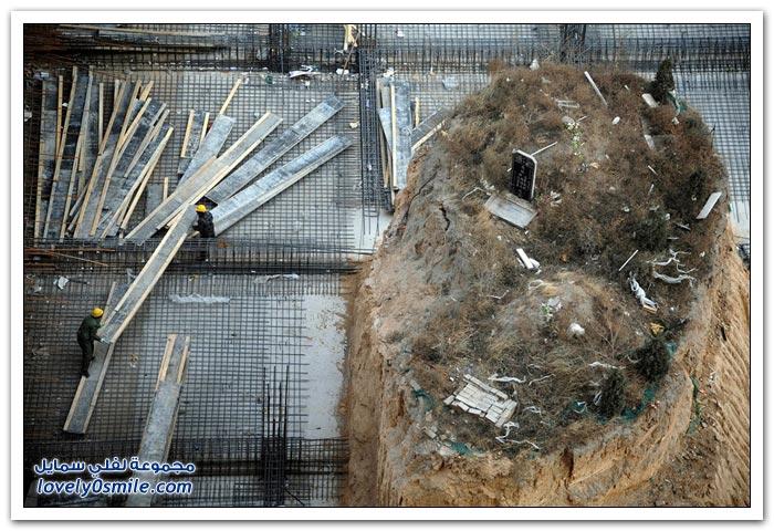 البناء على المقابر في الصين .. حتى المقابر ما سلمت
