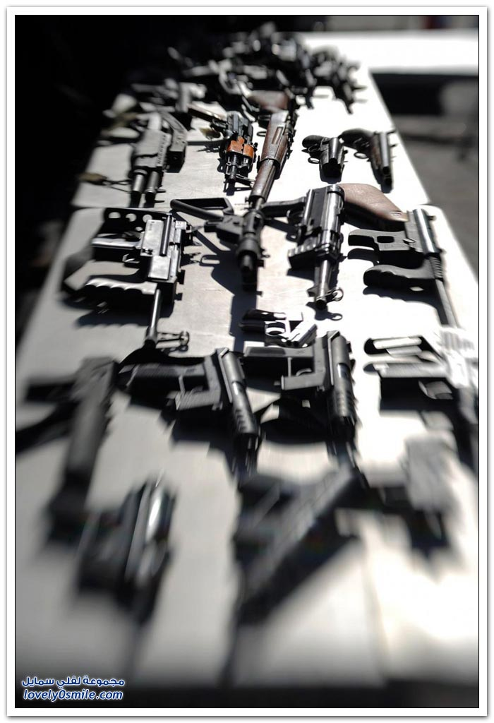 هدايا مقابل تسليم السلاح في لوس انجليس