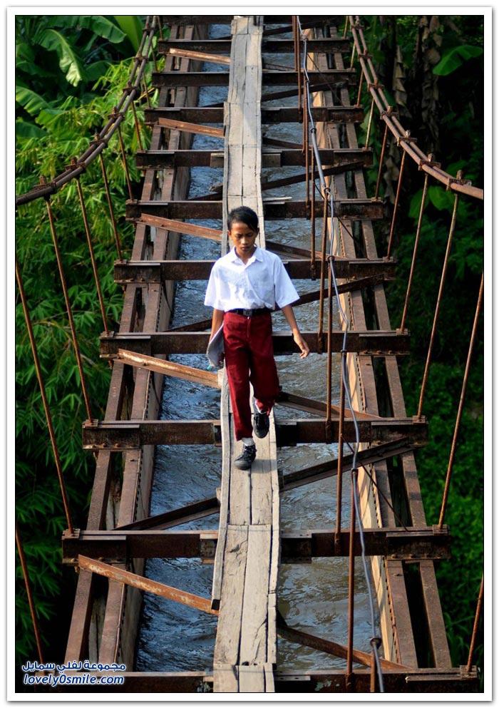 الطريق إلى المدرسة في اندونيسيا