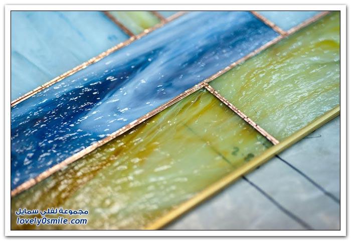 صور كيفية تجميع الزجاج الملون