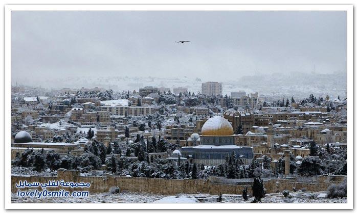 صور وفيديو: القدس تكتسي بالثلوج
