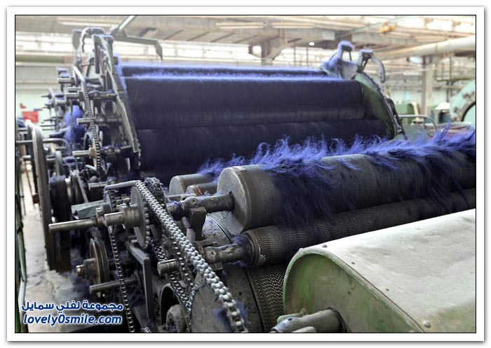 مصنع للمنسوجات الصوفية والأقمشة في روسيا