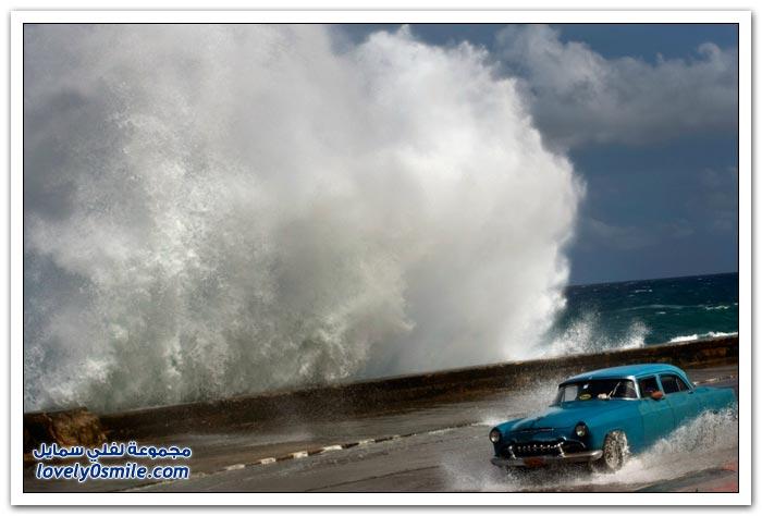 صور لجمال تلاطم الأمواج