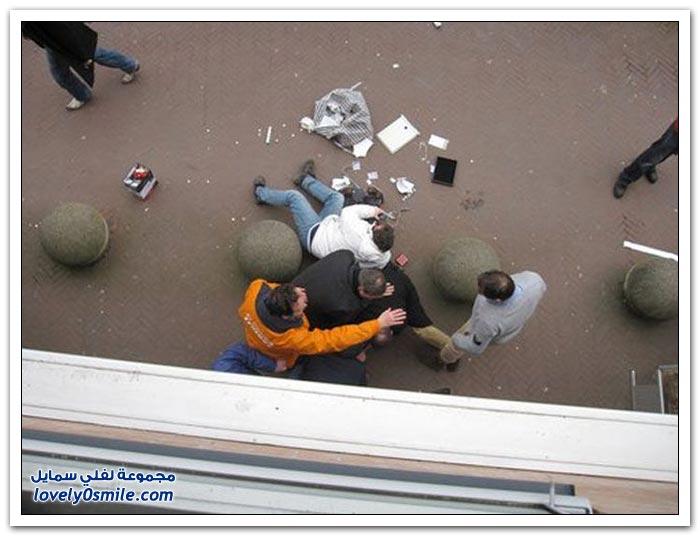 القبض على لص مجوهرات في هولندا وهروب اثنين
