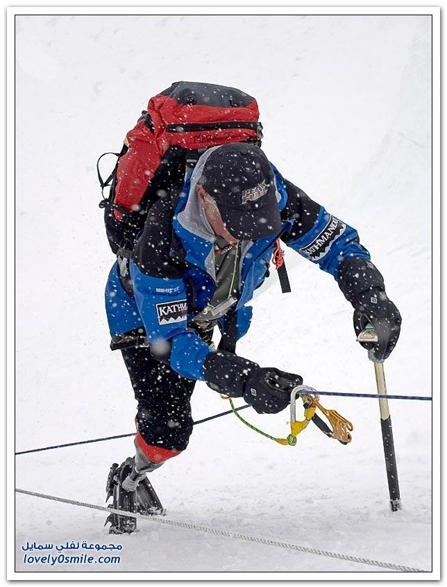 أول من قهر قمة جبل إيفرستْ بدون أرجل