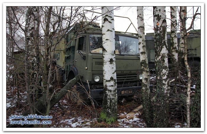 شاحنات الدعم ونقل الجنود المهجورة في روسيا