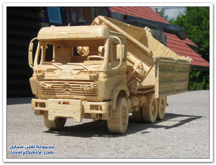 صور رائعة لسيارات ومعدات وغيرها مصنوعة من الخشب