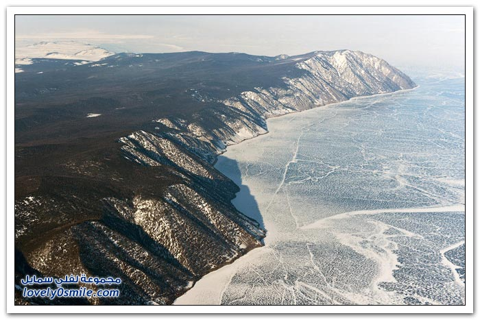 الشتاء في بحيرة بايكال أعمق بحيرة في العالم