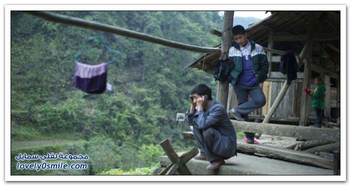 الطريق الذي يسلكه تلاميذ أحد المدارس الصينية لمدرستهم