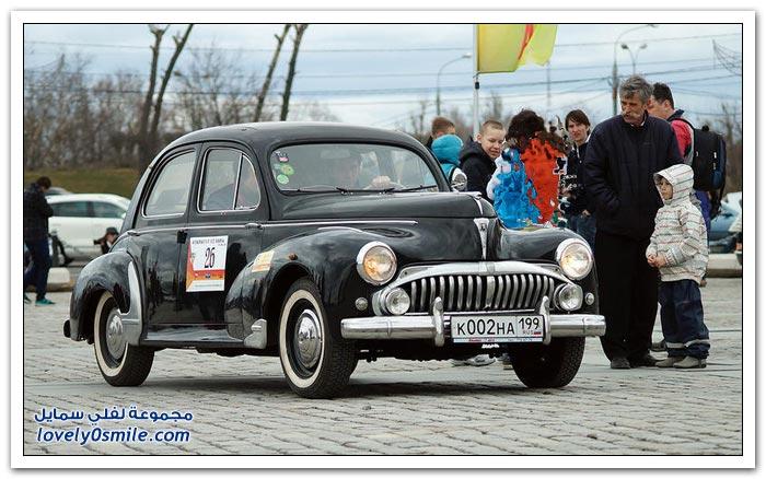 افتتاح رالي للسيارات النادرة في روسيا