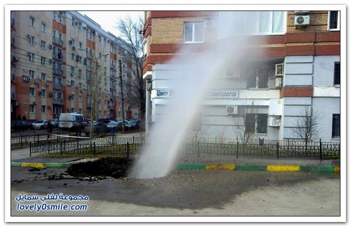 صور فيديو: شوارع مدينة روسية تلتهم السيارات يوميا