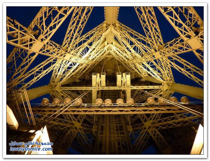 برج إيفل من زوايا مختلفة