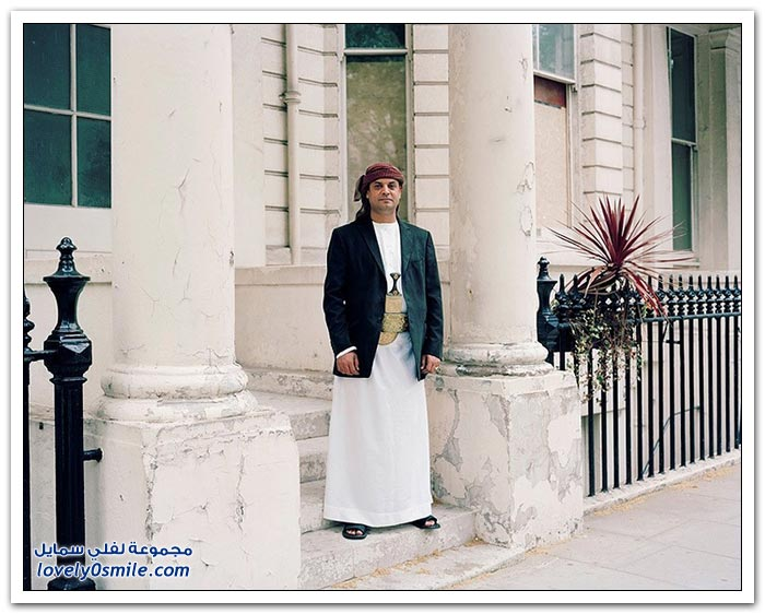المغتربين في لندن بالأزياء الوطنية لبلدانهم