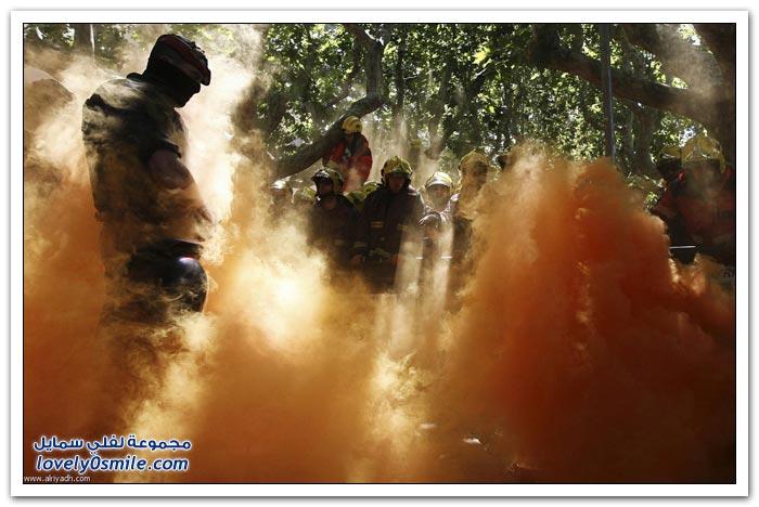 رجال الإطفاء في مواجهة الشرطة