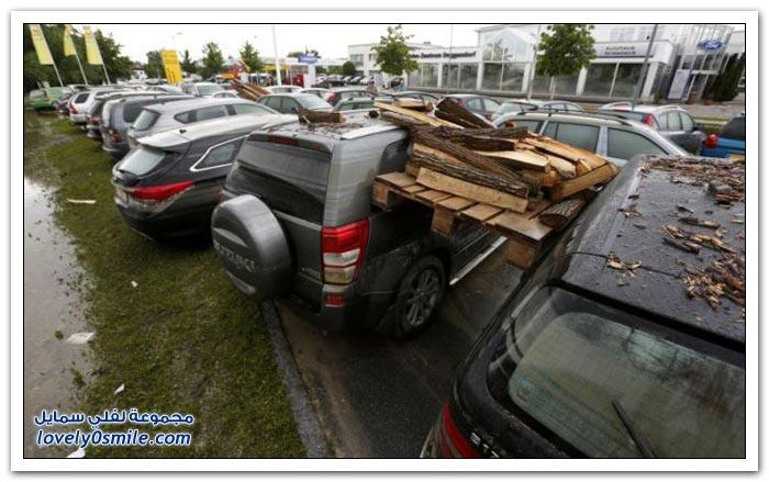 سيارات غمرتها المياه أيام الفيضانات في ألمانيا