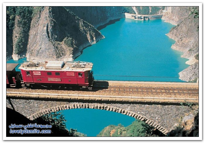 طرق السكك الحديدية ذات المناظر الخلابة حول العالم