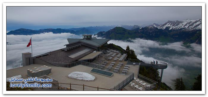 أول تلفريك بطابقين في جبال الألب السويسرية