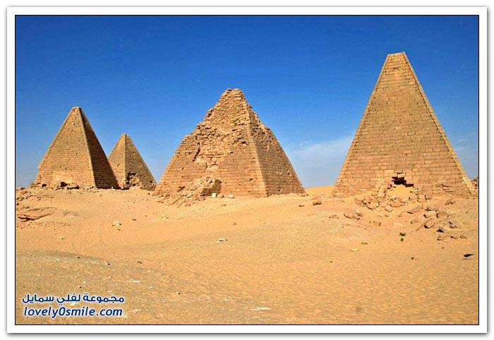 أشكال من الأهرامات حول العالم