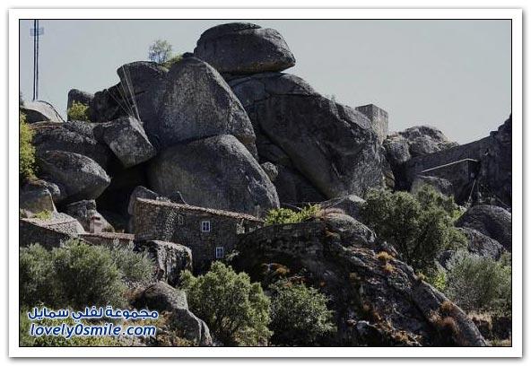 مونسانتو قرية الصخور الساحرة