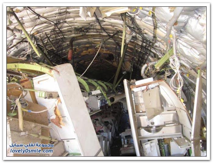 نقل طائرة الخطوط الجوية آسيانا بعد تحطمها في سان فرانسيسكو