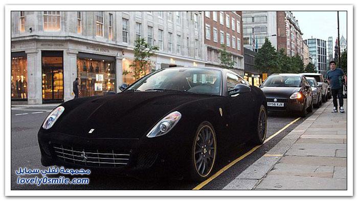سيارة فيراري مكسوة بالمخمل تخطف الأنظار في شوارع لندن