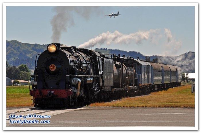 مطار جيسبورن حيث يلتقي المدرج بسكة الحديد