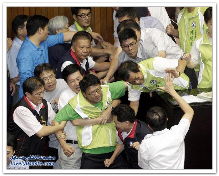 شِجار في البرلمان التايواني