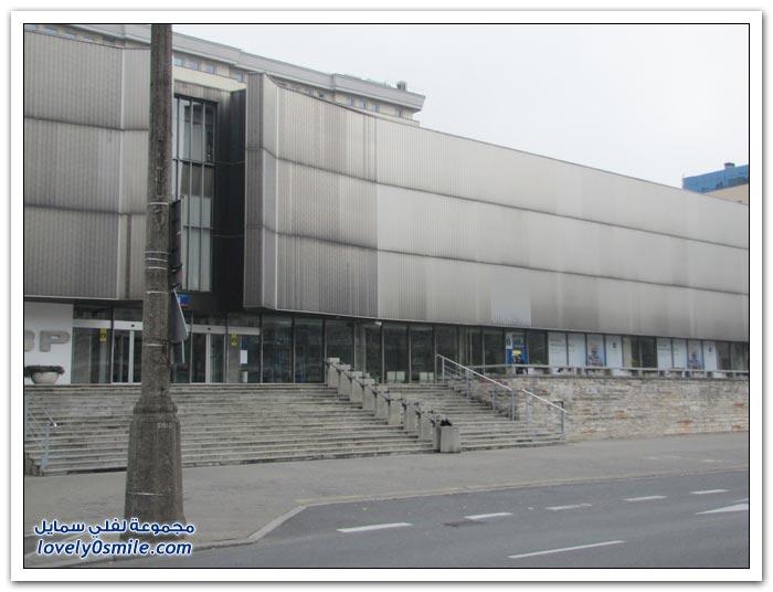 مدينة وارسو كيف كانت بعد الانتفاضة وكيف أصبحت الآن