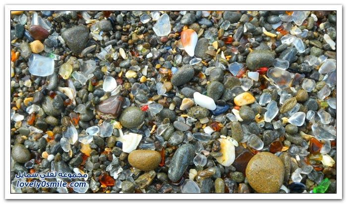 شاطئ الزجاج الملون