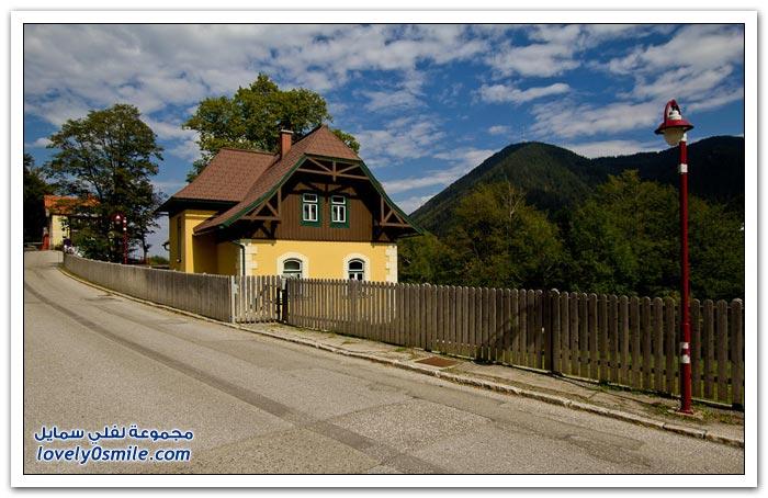 قرية صغيرة في جبال الألب