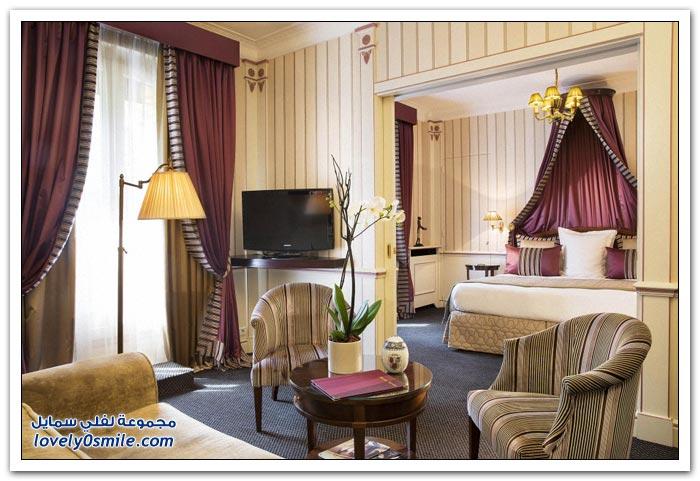 فندق اللوفر على شارع الشانزليزيه في باريس