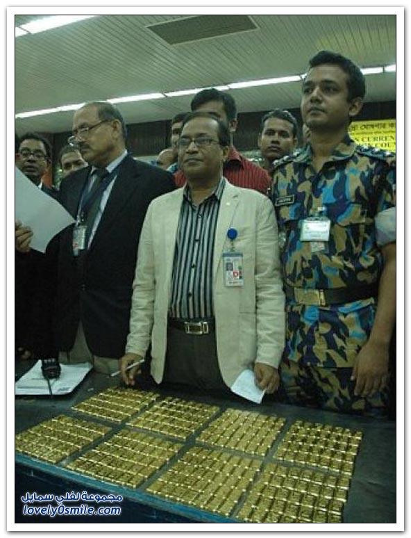 ضبط 35 كيلو من الذهب مخبأة في حمام طائرة بمطار بنغلاديش