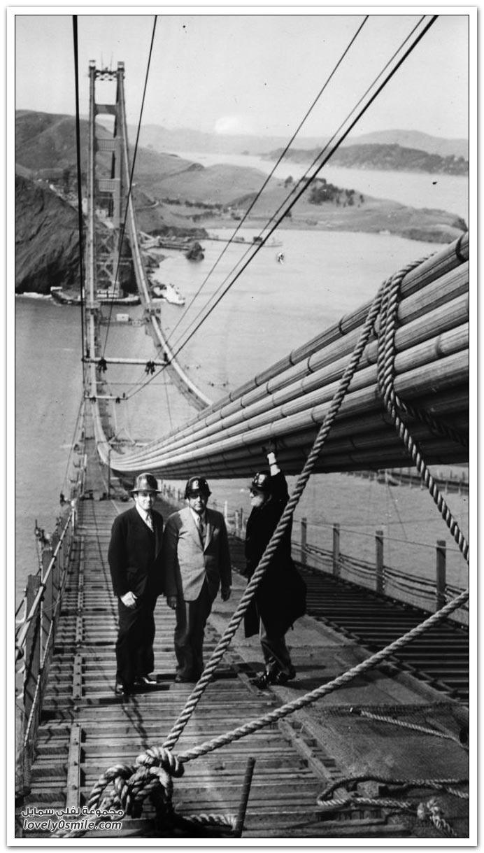 صور تشييد جسر البوابة الذهبية