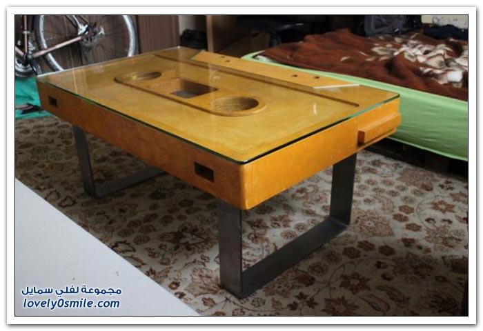صناعة طاولة على شكل شريط مُسجل