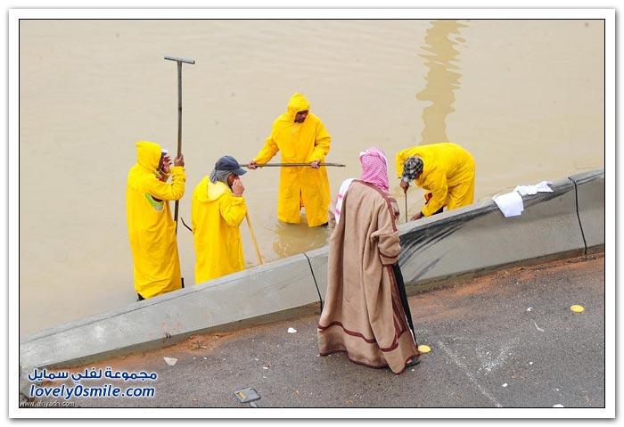 الأمطار تجدد معاناة سكان الرياض