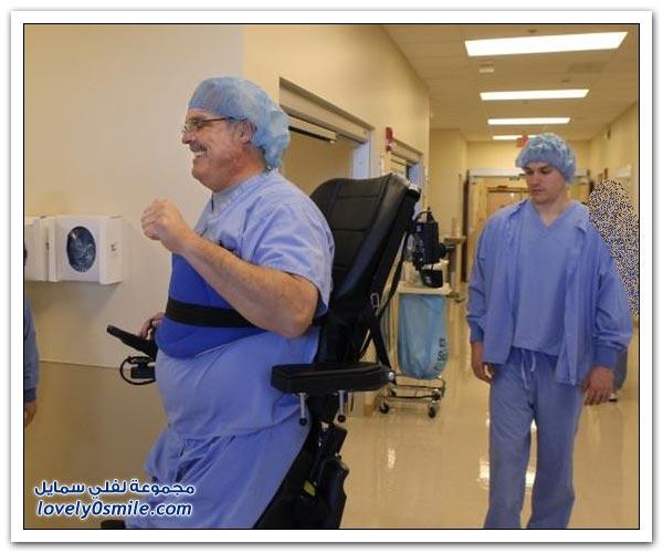 معاق يرأس فريق من الجراحين