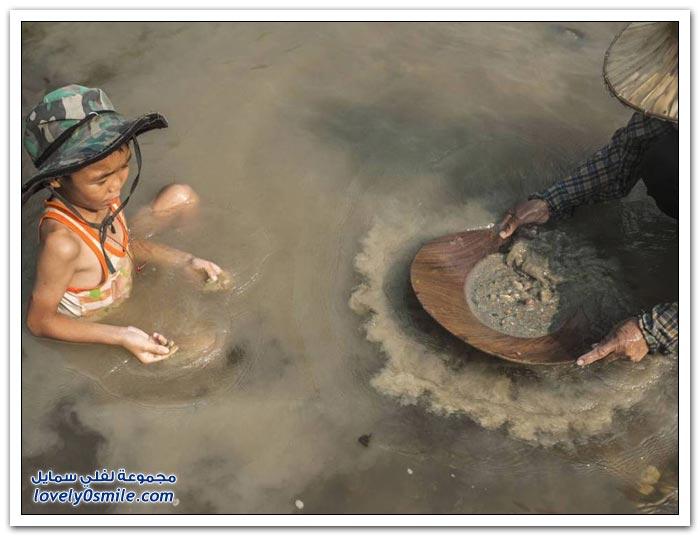 البحث عن الذهب في أنهار تايلاند