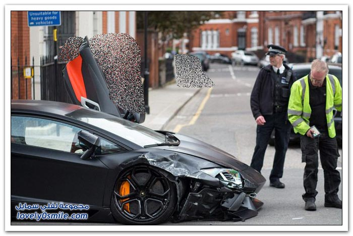 حادث لامبورغيني أفينتادور وبي ام دبليو ومازدا في لندن