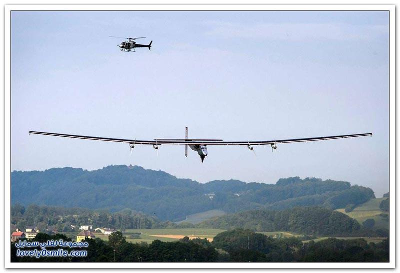 إقلاع أول طائرة تعمل بالطاقة الشمسية