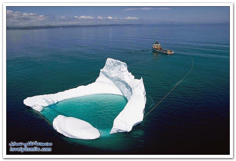 سحب جبل جليدي بعيدا عن منصات النفط