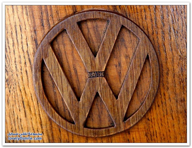 سيارة فولكس فاجن بيتل مصنوعة من الخشب