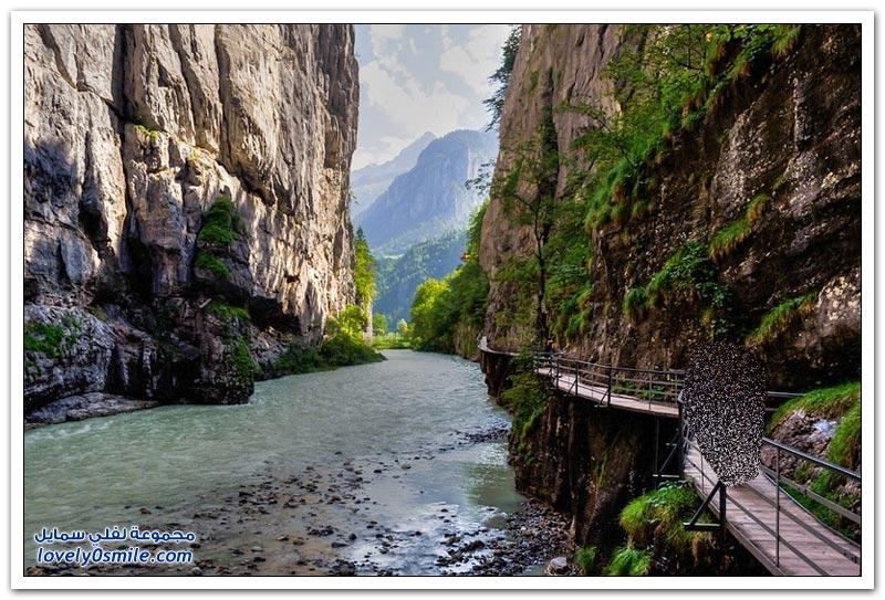 الممر الضيق Aar Gorge في بلدة ميرينغين، في سويسرا