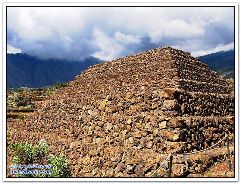 صور الأهرامات في مناطق مختلفة من العالم