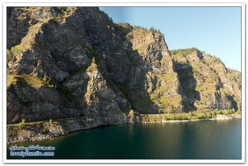 بايكال أعمق بحيرة في العالم Baikal-the-deepest-lake-in-the-world-48