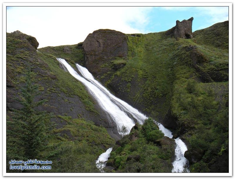 جمال الشلالات في أيسلندا