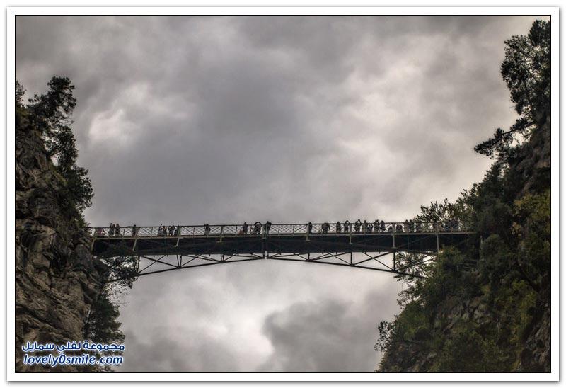 جسور حول العالم السير عليها مخاطرة