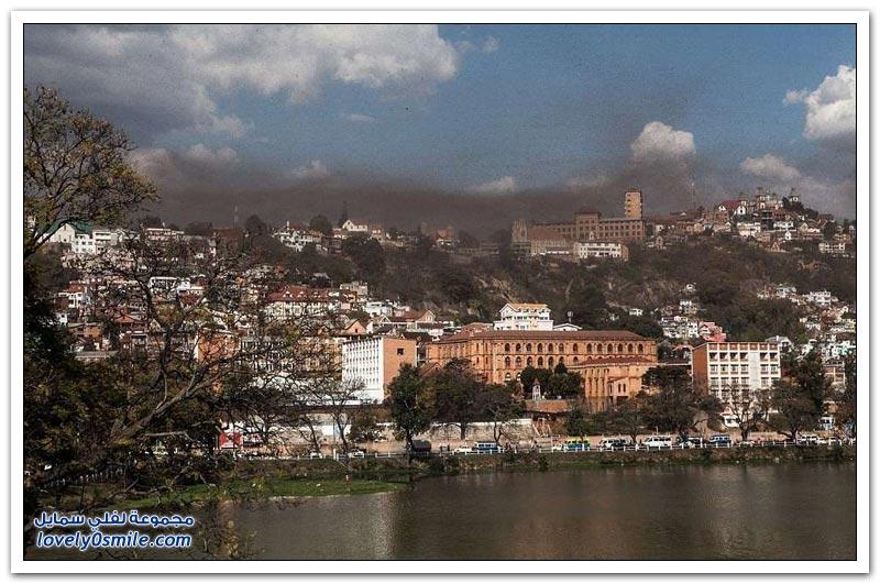 سحابة من الجراد تغطي سماء مدغشقر