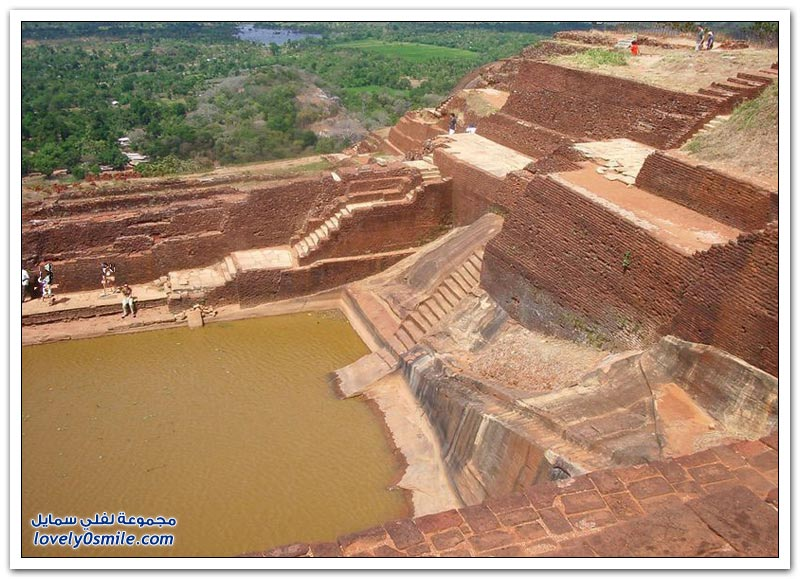 قصر سيجيريا أو حصن الصخرة في سريلانكا