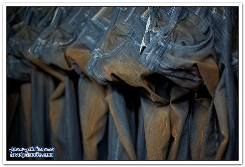 خياطة الجينز في مومباي في الهند