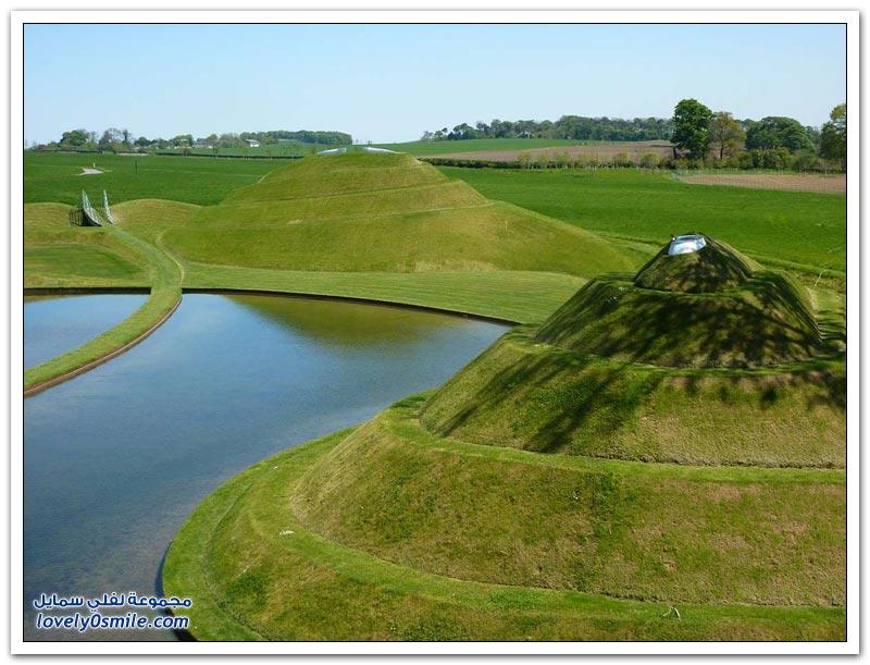 تشارلز جينكس وغرائب المناظر الطبيعية المصممة من خلاله
